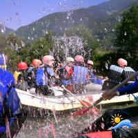 Wasserschlacht mit den Paddels