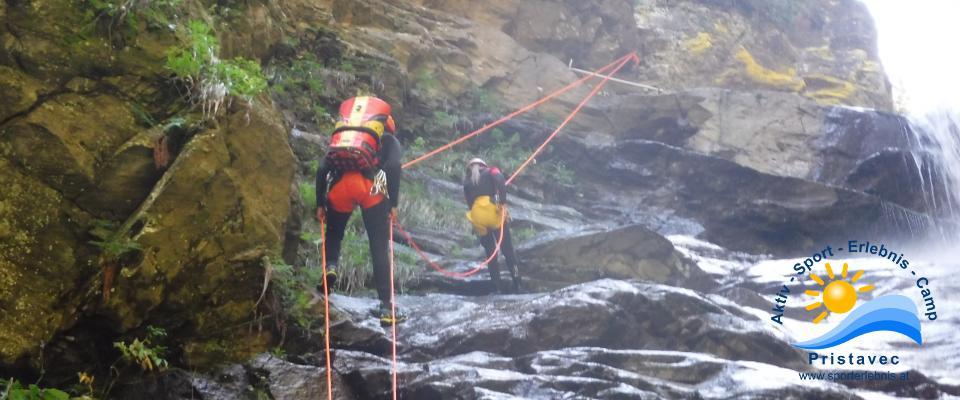 Canyoning aktives Arbeiten am Seil