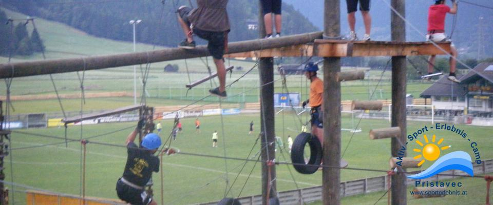 Schulsport Im Hochseilgarten